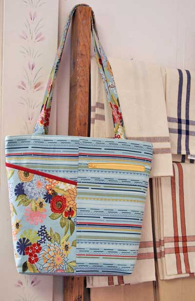Walk About Tote Pattern - Click Image to Close