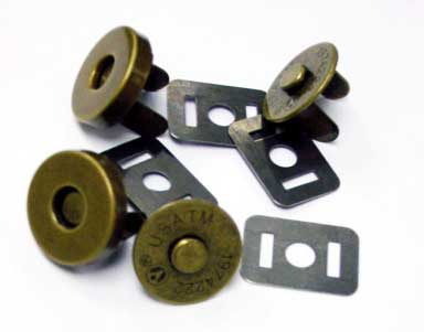 "Magnetic Snaps in Antique Brass - 3/4"" - Click Image to Close"